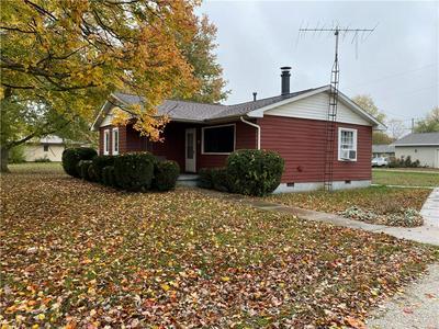 11 DANVILLE ST, Westville, IL 61883 - Photo 2