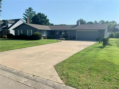 1010 N OCEOLA ST, Effingham, IL 62401 - Photo 1