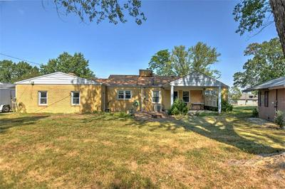 12 N COUNTRY CLUB RD, Decatur, IL 62521 - Photo 2