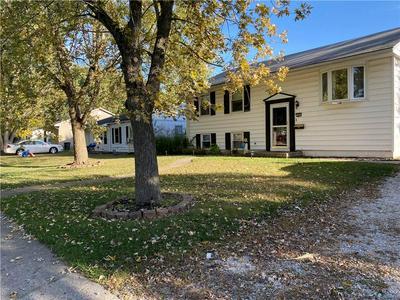 906 KNOLLCREST DR, Danville, IL 61832 - Photo 1