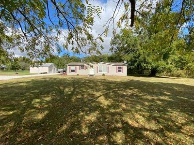 6547 E CLARKSVILLE RD, Martinsville, IL 62442 - Photo 1
