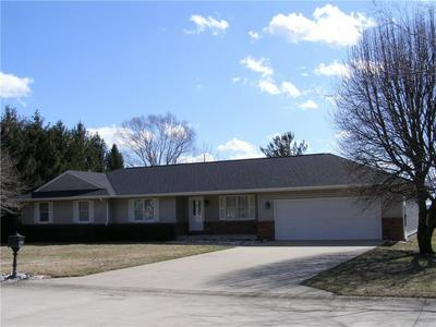 17 CHAD AVE, SULLIVAN, IL 61951 - Photo 1