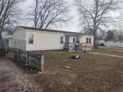 804 W HUNTER ST, Sullivan, IL 61951 - Photo 1