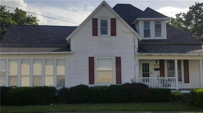 101 NW 2ND ST, Casey, IL 62420 - Photo 2
