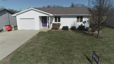 1319 W SOUTH 11TH ST, SHELBYVILLE, IL 62565 - Photo 1