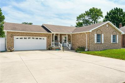 1206 S 4TH ST, Effingham, IL 62401 - Photo 2
