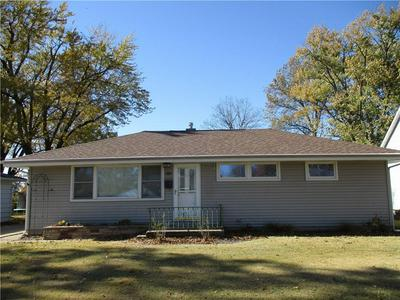 812 N CHARLES ST, Shelbyville, IL 62565 - Photo 1