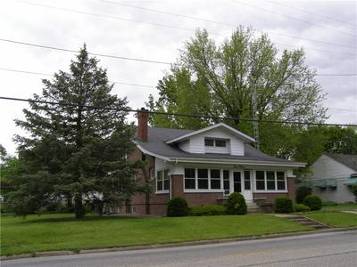 415 E JACKSON ST, Sullivan, IL 61951 - Photo 2