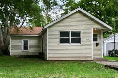 1609 LINCOLN ST, Tilton, IL 61832 - Photo 1