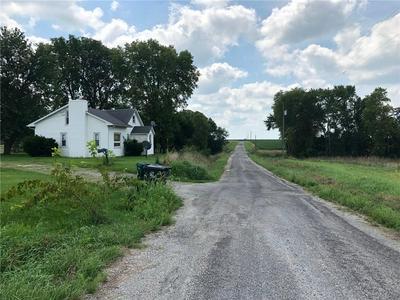1861 COUNTY ROAD 100 E, Dalton City, IL 61925 - Photo 2