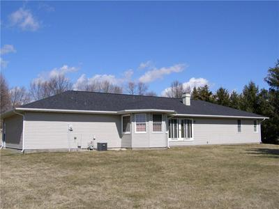17 CHAD AVE, SULLIVAN, IL 61951 - Photo 2