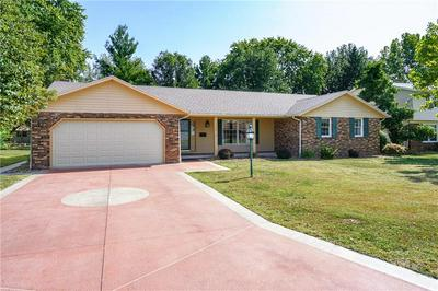 1024 PELICAN ST, Effingham, IL 62401 - Photo 2
