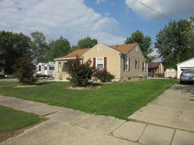 802 S HOWARD ST, Robinson, IL 62454 - Photo 2