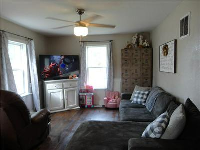 423 W SOUTH 4TH ST, Shelbyville, IL 62565 - Photo 2