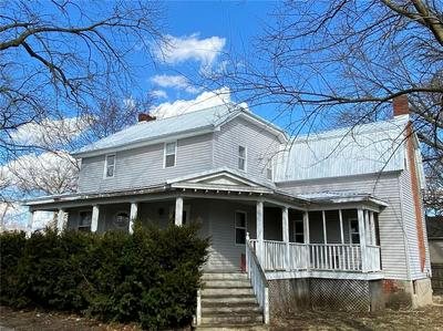 428 MARKET STREET, HOOPESTON, IL 60942 - Photo 1