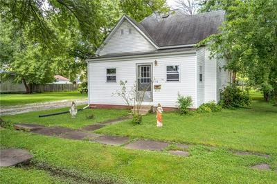 112 N BOND ST, Altamont, IL 62411 - Photo 1