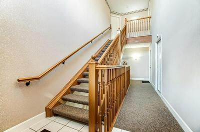 5886 STONEBRIDGE CIR APT 304, Miami Twp, OH 45150 - Photo 2