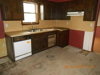 4402 ALLENS MILLS RD, Reynoldsville, PA 15851 - Photo 2