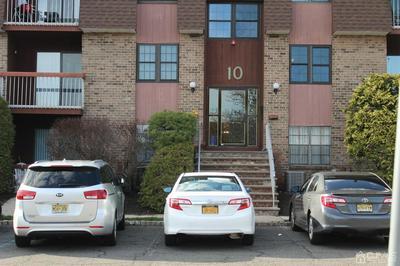 119 KEYSTONE CT, Woodbridge Proper, NJ 07095 - Photo 2