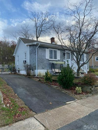 8 WOODLAWN AVE, Sayreville, NJ 08859 - Photo 2