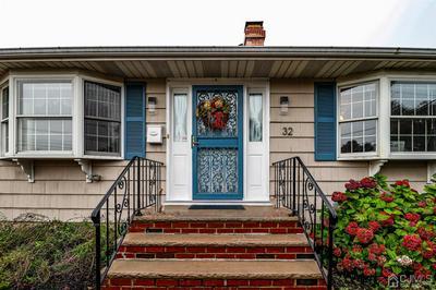 32 RECTOR AVE, Woodbridge Proper, NJ 07095 - Photo 2