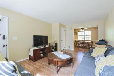 37 HANOVER SQ # E, Middlesex Boro, NJ 08846 - Photo 2