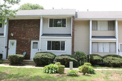 R QUINCY CIRCLE # R2, South Brunswick, NJ 08810 - Photo 2