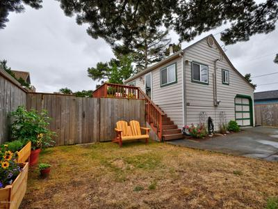 421 16TH AVE, SEASIDE, OR 97138 - Photo 1