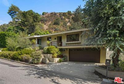 2066 ROSCOMARE RD, LOS ANGELES, CA 90077 - Photo 1