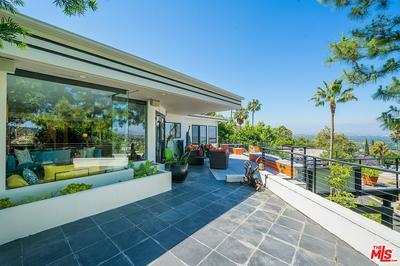 3880 SHERWOOD PL, Sherman Oaks, CA 91423 - Photo 2