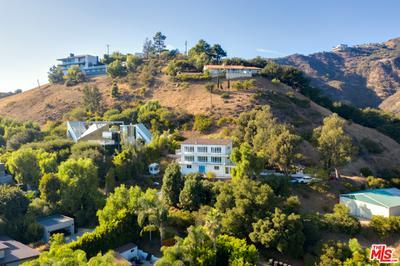21733 CASTLEWOOD DR, Malibu, CA 90265 - Photo 2