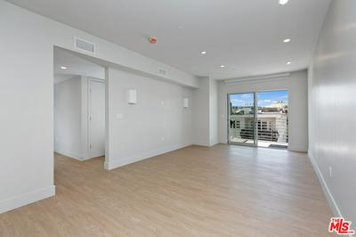 11837 MAYFIELD AVE APT 204, Los Angeles, CA 90049 - Photo 2