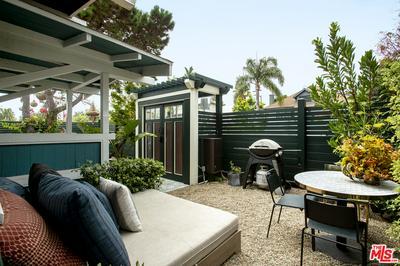 402 BROOKS AVE, Venice, CA 90291 - Photo 2