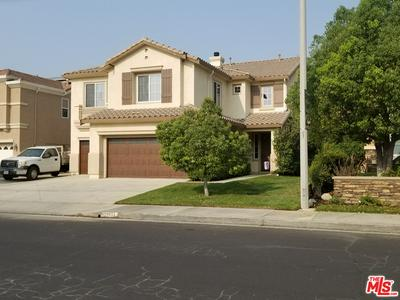 28733 GARNET CANYON DR, Santa Clarita, CA 91390 - Photo 2