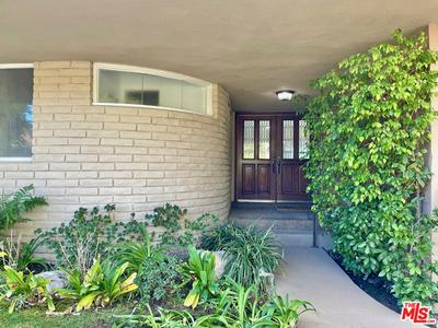 829 GLENMERE WAY, Los Angeles, CA 90049 - Photo 2