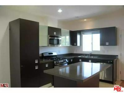 9100 WHITWORTH DR, LOS ANGELES, CA 90035 - Photo 2