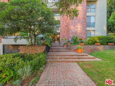 429 N OAKHURST DR APT 304, Beverly Hills, CA 90210 - Photo 1