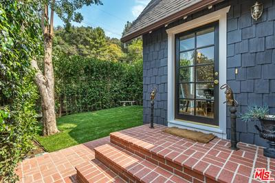 9856 EASTON DR, Beverly Hills, CA 90210 - Photo 2