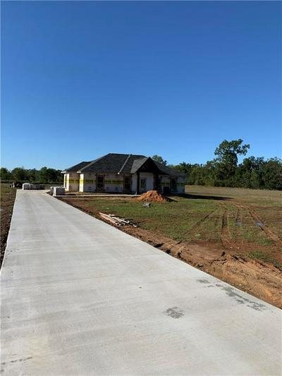 41 WINEGART LN, LECOMPTE, LA 71346 - Photo 1