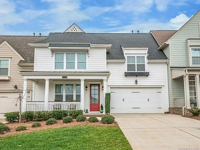 11716 FOUNDERS PARK LN, PINEVILLE, NC 28134 - Photo 1