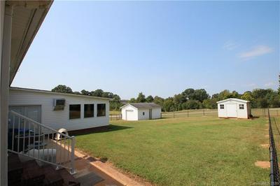1413 STONY POINT RD, Shelby, NC 28150 - Photo 2