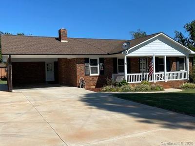 631 LYNCH RD, Lincolnton, NC 28092 - Photo 1