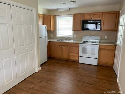 1120 28TH ST SW, Hickory, NC 28602 - Photo 2