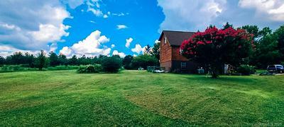 23 APPLE BLOSSOM LN, Hendersonville, NC 28792 - Photo 1