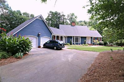 700 WILLIAMSBURG CT NE, Concord, NC 28025 - Photo 2