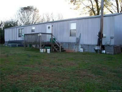 1714 WATERFALLS DR, Lincolnton, NC 28092 - Photo 2