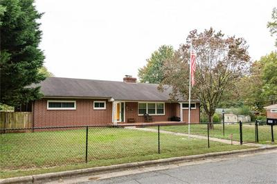 195 10TH AVE NW, Hickory, NC 28601 - Photo 2