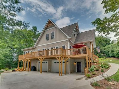 293 CIRCLE TOP DR, Hendersonville, NC 28739 - Photo 2