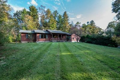 7700 WOODLAND HILLS RD, Hickory, NC 28602 - Photo 2