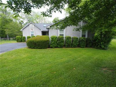 2160 21ST ST NE, Hickory, NC 28601 - Photo 1